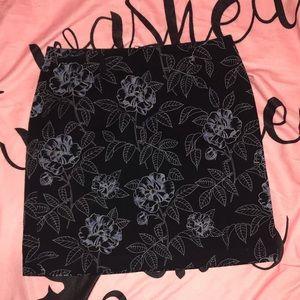 LOFT Stretch Pencil Skirt ♥️ 🌺